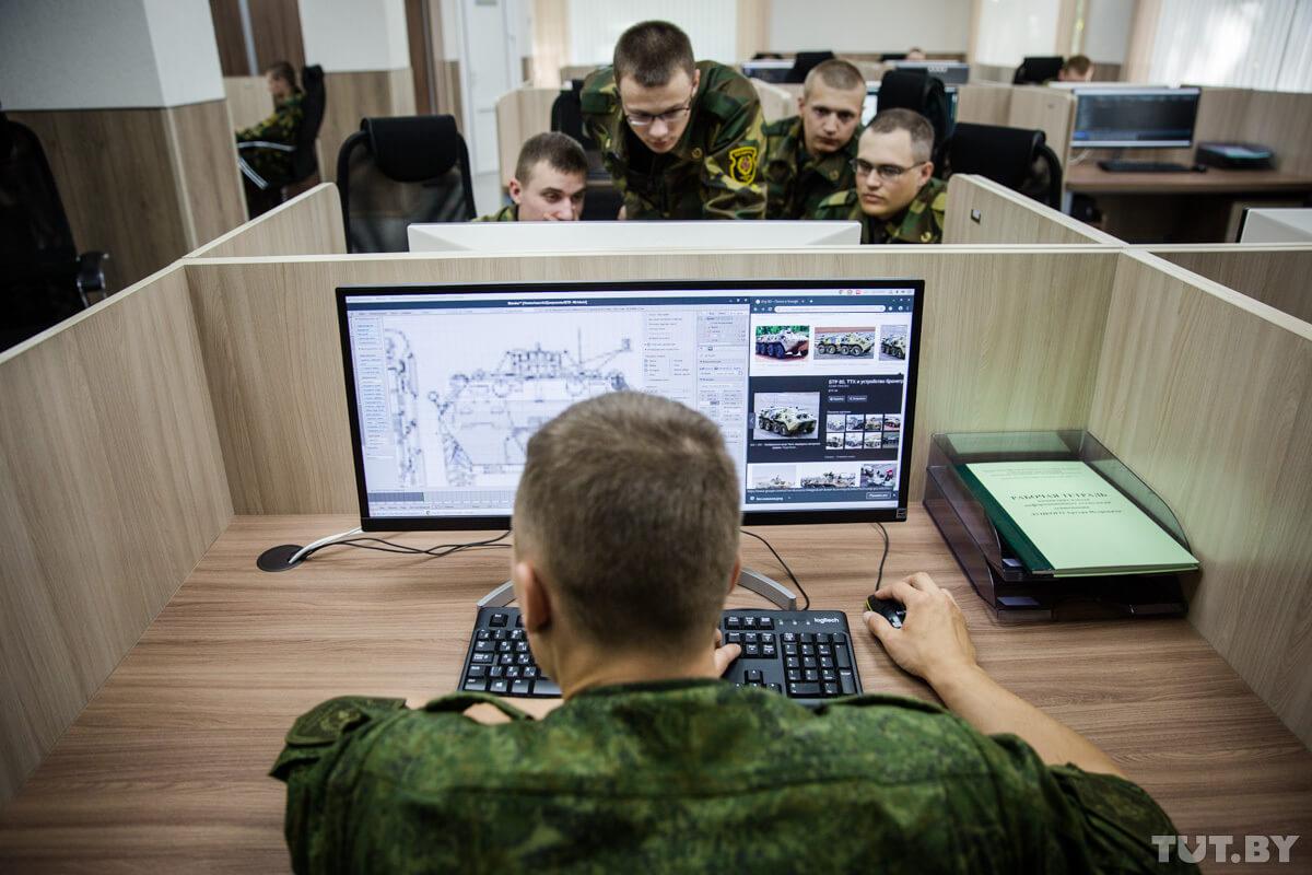 Как белорусским программистам служится в IT роте