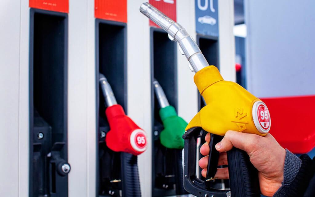 В Беларуси уменьшаются цены на автомобильное топливо с 11 августа.