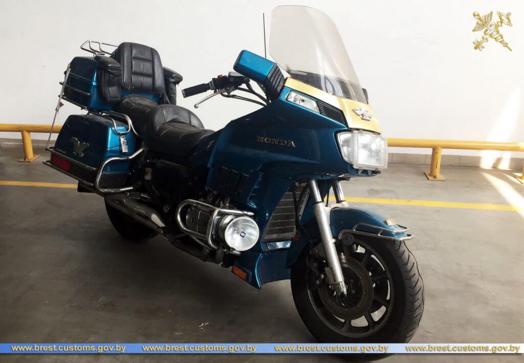 Белорусски ИП пытался ввезти в страну мотоцикл в измененным VIN.