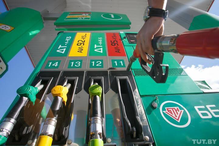 В «Белнефтехиме» рассказали, что будет с ценами на бензин в этом году.