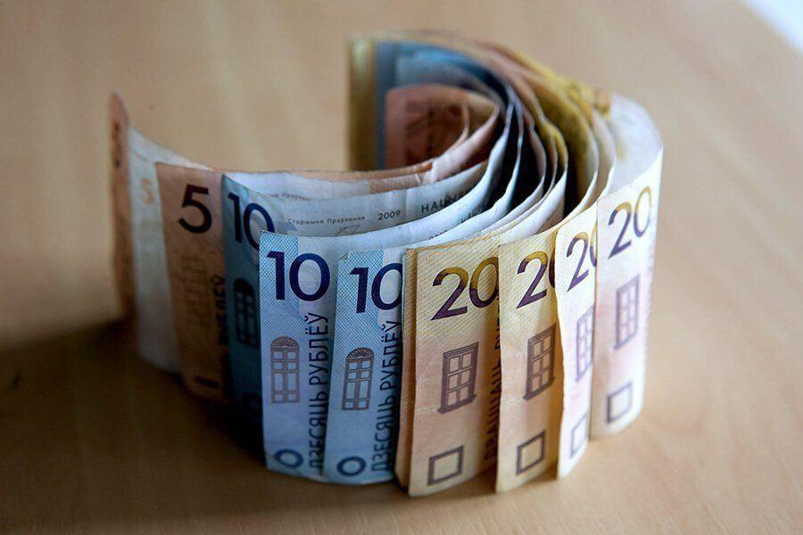 Отель вернул белорусу деньги, а налоговая посчитала это доходом из-за рубежа и запретила выдавать паспорт.