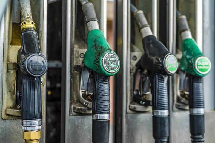 С 23 февраля снова выросли цены на автомобильное топливо.