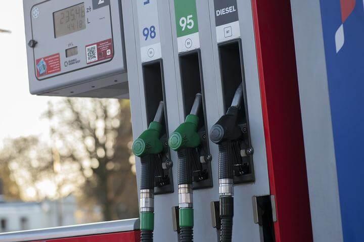 С 1 марта подорожало автомобильное топливо.