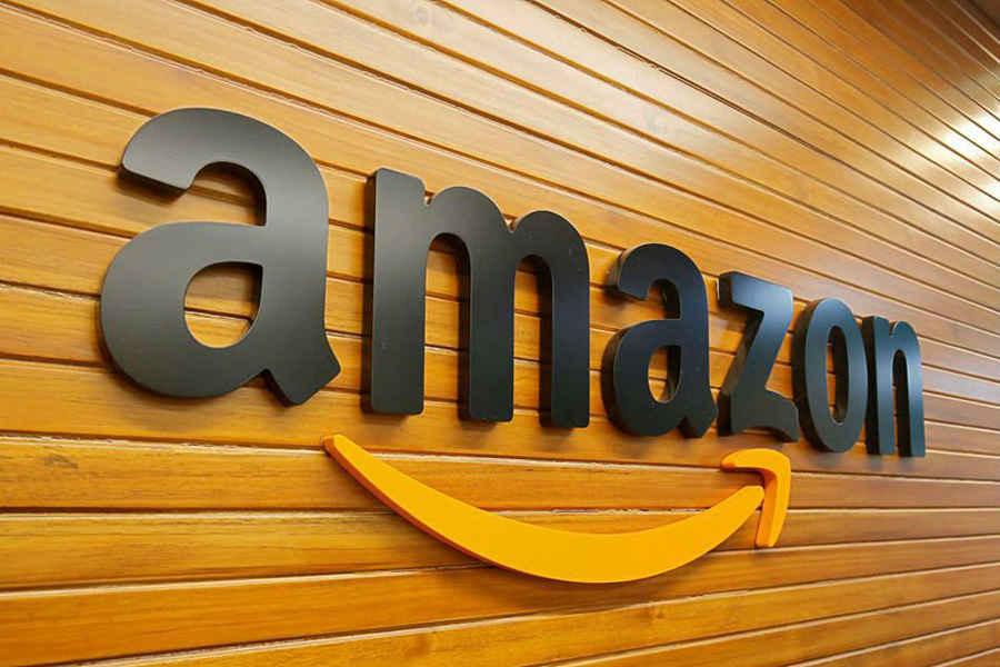 """Компания """"Амазон"""" расширяется в кризис, сотрудники будут работать из дома до октября"""