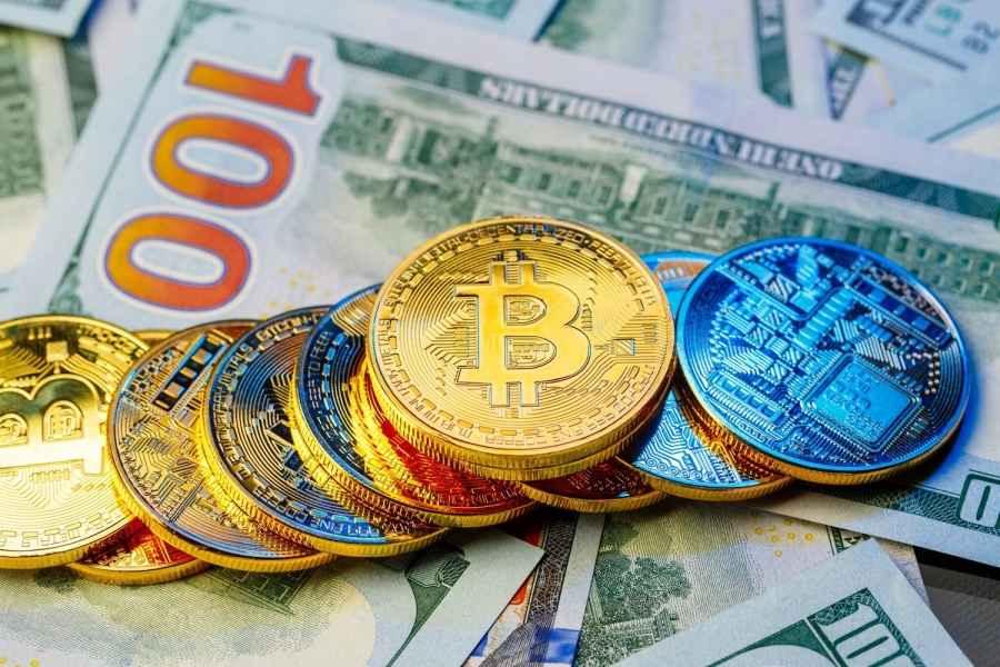 Инвестируя в криптовалюту, минчанин потерял 96 тысяч долларов. Чем все закончилось?