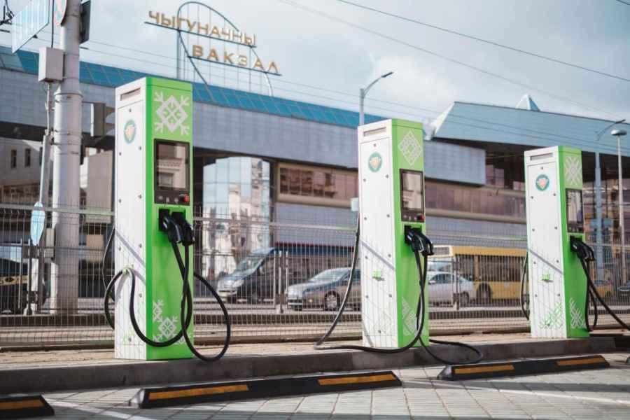 Зарядки для электромобилей в Беларуси станут платными с июля