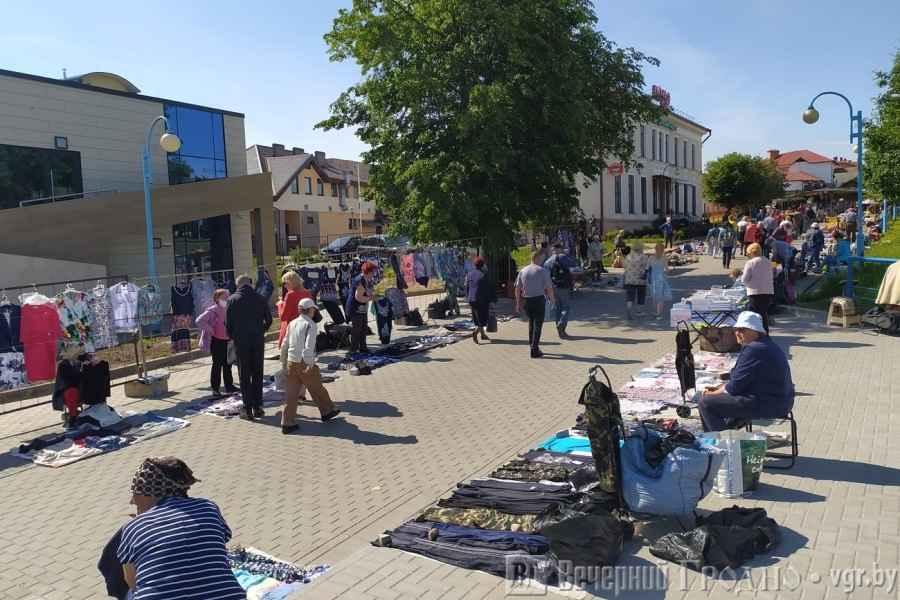 Что происходит на рынках Гродно и откуда предприниматели берут товар