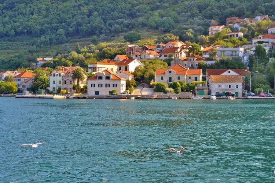 Еще одна страна открывает свои курорты для белорусов – это Черногория