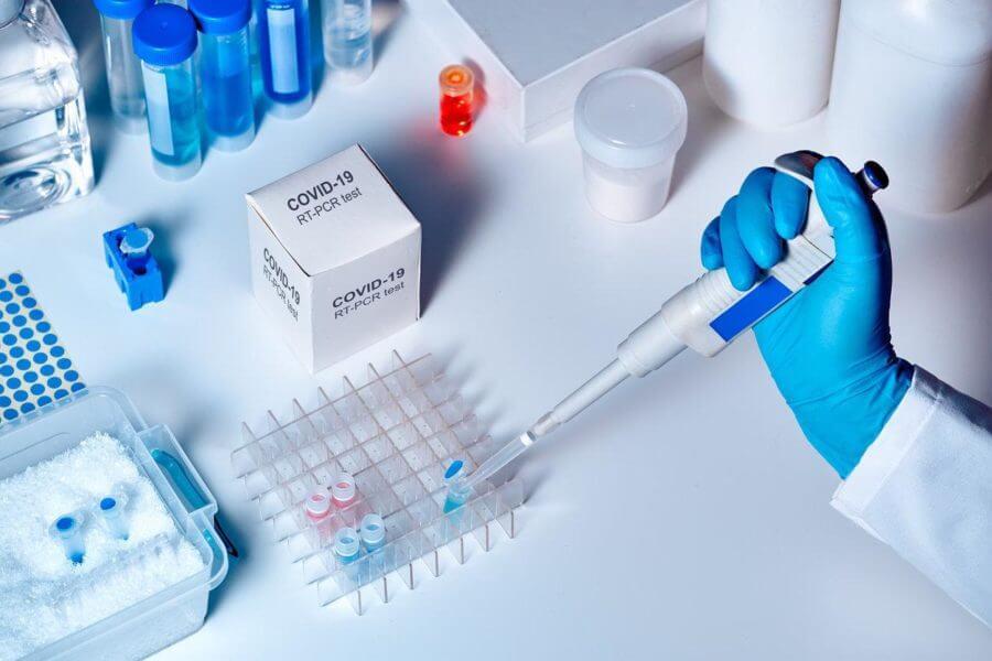 В Минске закончились тесты на коронавирус, но их можно сделать за городом