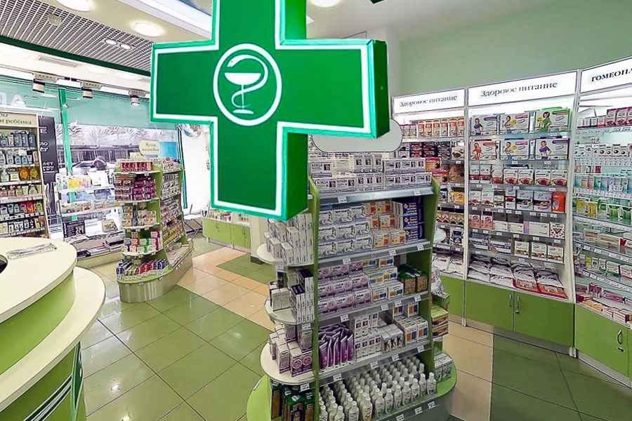 Работников аптек начинают страховать от возможного заражения COVID-19