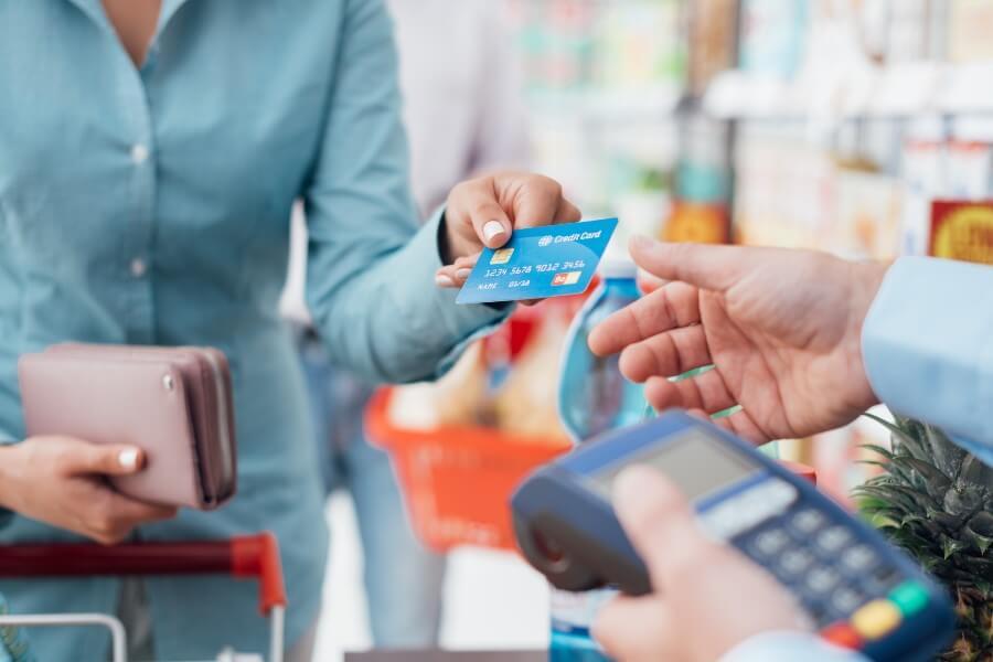 Что покупают белорусы в кредит? Названы самые популярные покупки