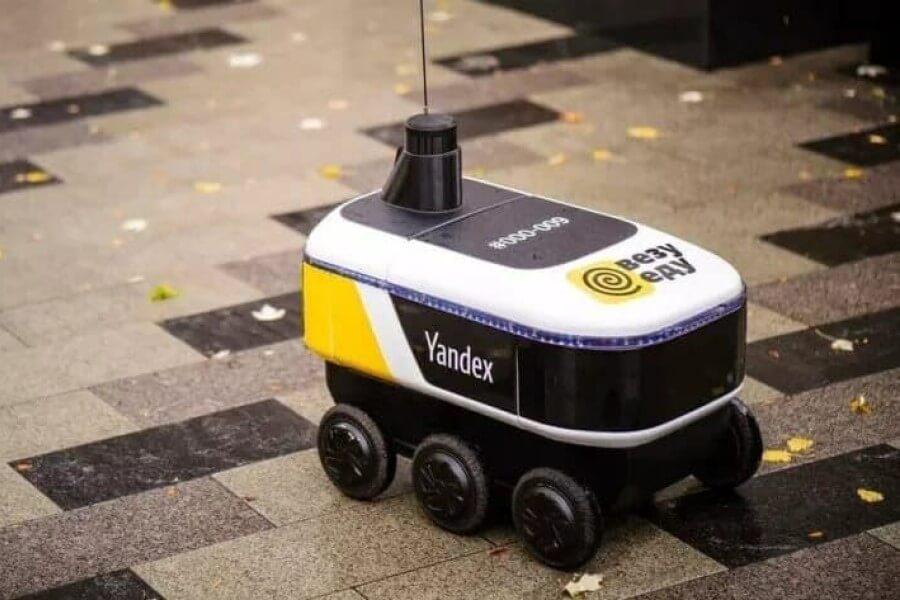 «Яндекс.Еда» запустила в Москве доставку роботами-курьерами