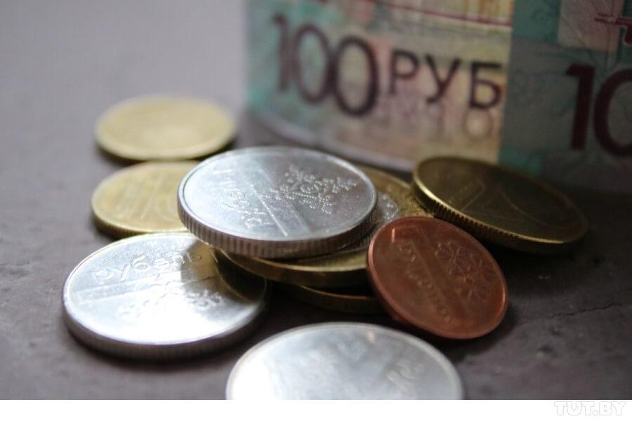 С 1 января увеличили единый налог для репетиторов, ведущих свадеб, парикмахеров и строителей