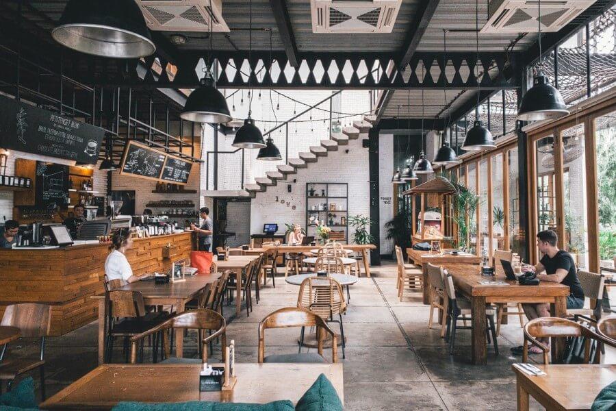 Рестораторы заявили о проекте Совмина, который ограничит работу общепита. «90% не смогут работать»