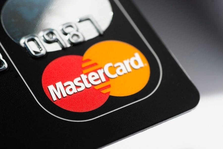 Mastercard начнет принимать криптовалюту в этом году