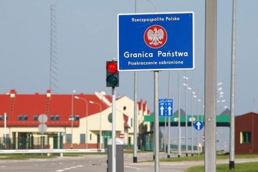 Для въезда в Польшу нужно будет сдать тест на COVID-19