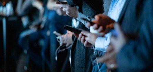 В России заставят предустанавливать на смартфоны отечественный поисковик